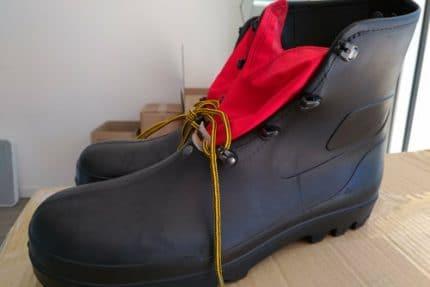 La chaussure de la spéologie en location
